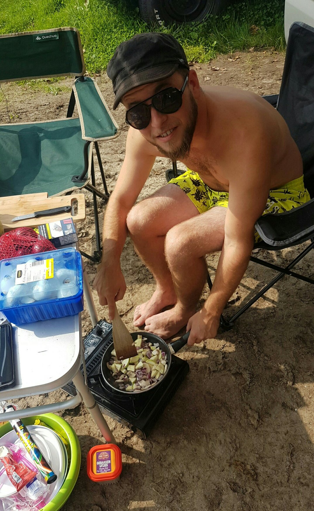 Making breakfast at the camping