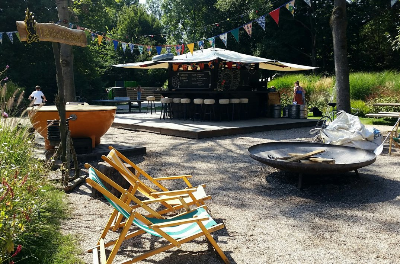 De bar en vuurplaats