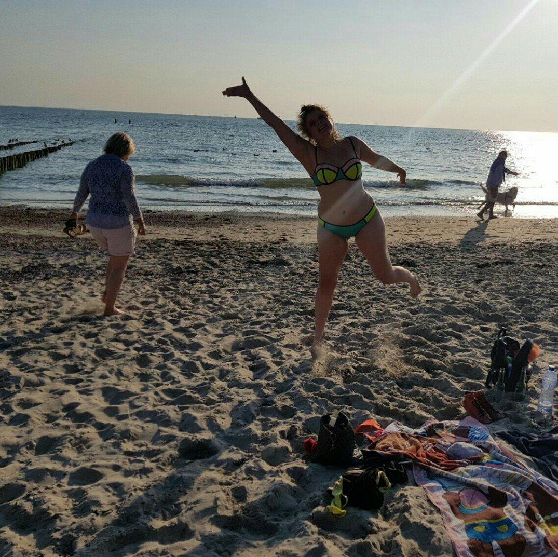 Springen op het strand