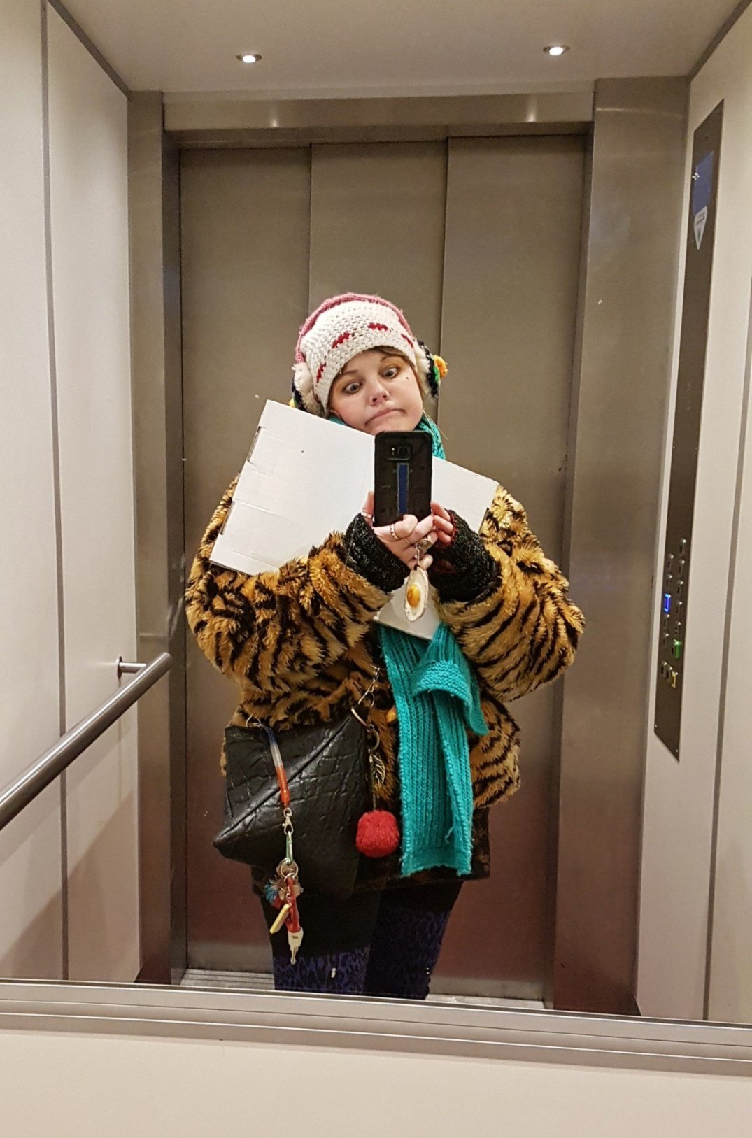 Leonie ruissen in de lift